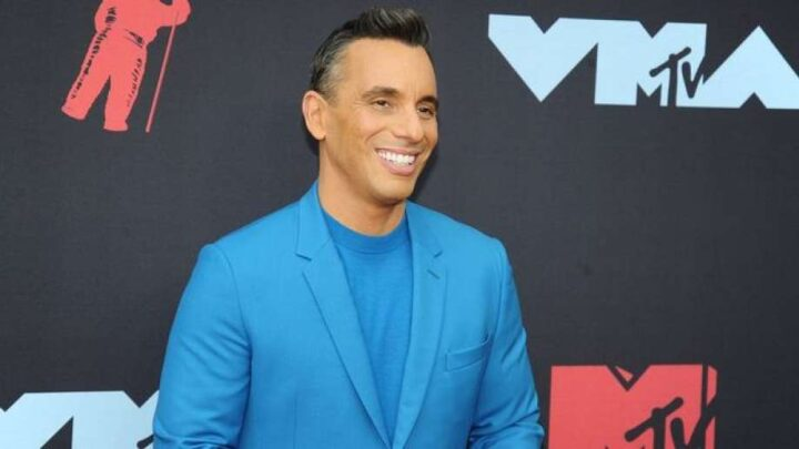 Sebastian Maniscalco Biography: Wife, Net Worth, Stay Hungry, Father, YouTube, Specials