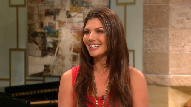 Ali Landry Biography: Husband, Age, Net Worth, Fitness, Eminem, Instagram, Height, Wikipedia