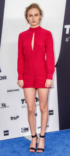 Olivia DeJonge Biography, Age, Movies, Net Worth, Height, Instagram, Boyfriend, Wikipedia