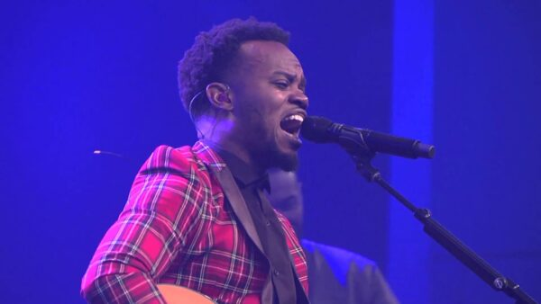 Travis Greene Biography, Age, Songs, Net Worth, Wife, Pictures, Wiki