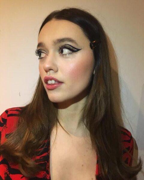 Aimee Lou Wood Bio, Instagram, Age, Agency, Net Worth, Series, Wikipedia, Relationship, Height, Boyfriend