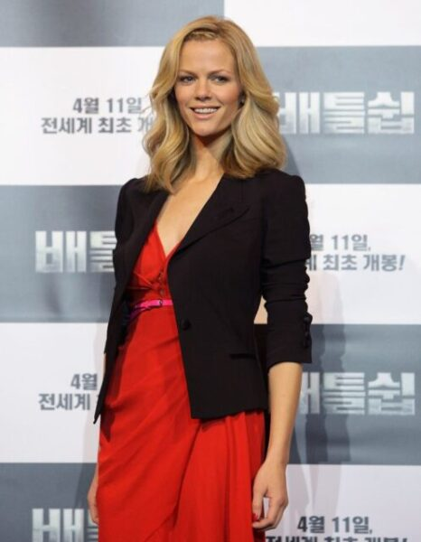 Brooklyn Decker Biography, Husband, Net Worth, Age, Instagram, Kids, Height, Parents, Wikipedia, Movies and TV Shows
