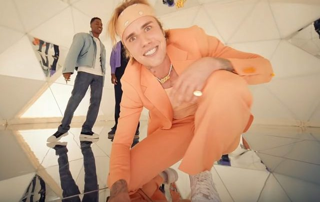 Justin Bieber Biography: Wife, Age, Net Worth, Sister, House, Movies and TV Shows, Wikipedia, Albums, Songs
