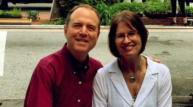 Eve Schiff Biography: Age, Net Worth, Husband, Wikipedia, Photos, Education, Height, Children