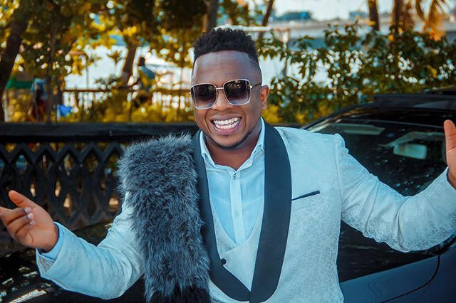 Gospel Singer Eben Biography: Songs, Age, Wife, Net Worth, Wikipedia, Pictures