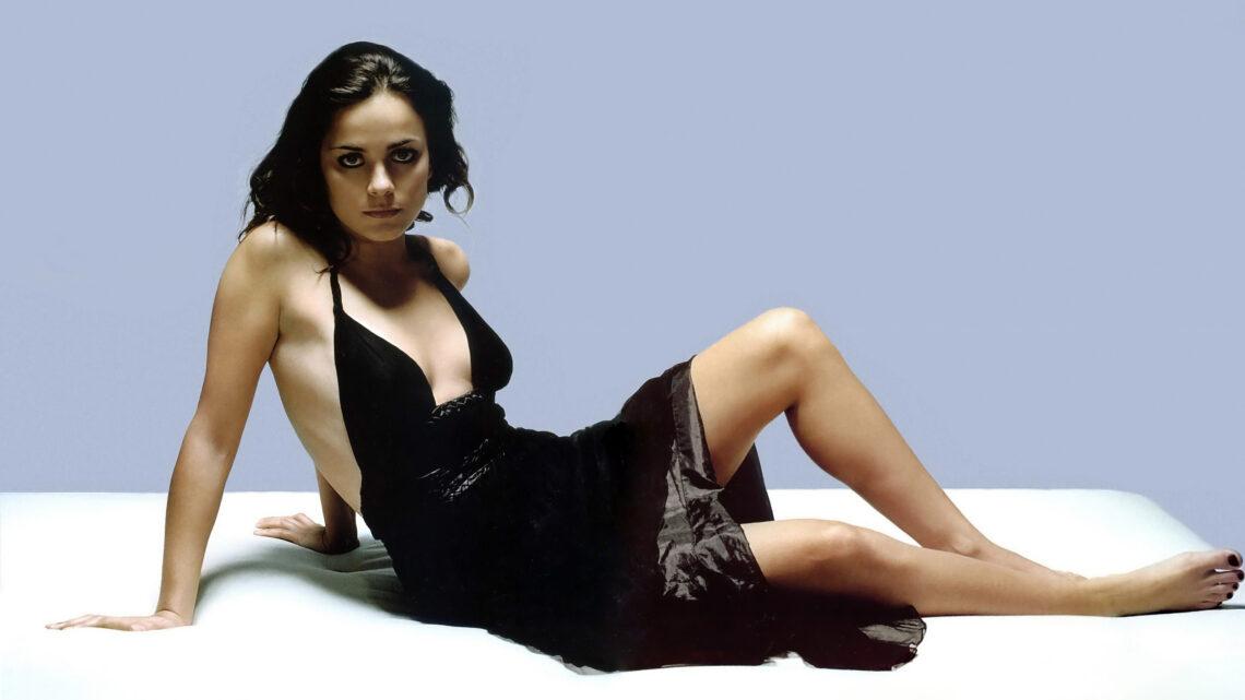 Alice Braga Biography: Age, Married Husband, Net Worth, Instagram, House, IMDb, Wikipedia, Interview