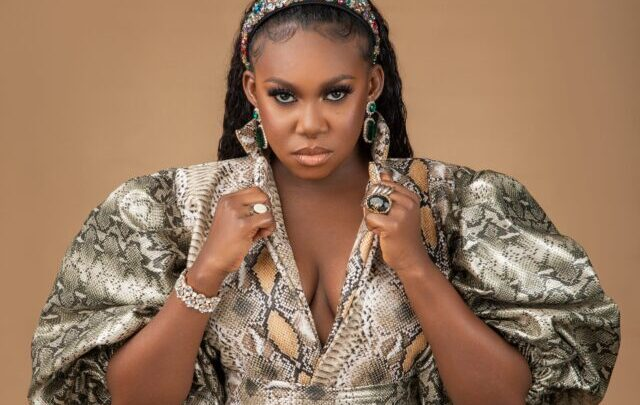 Niniola Biography: Songs, Age, Album, Sister, Net Worth, Wikipedia, Husband, Boyfriend, Pictures, Child, Parents