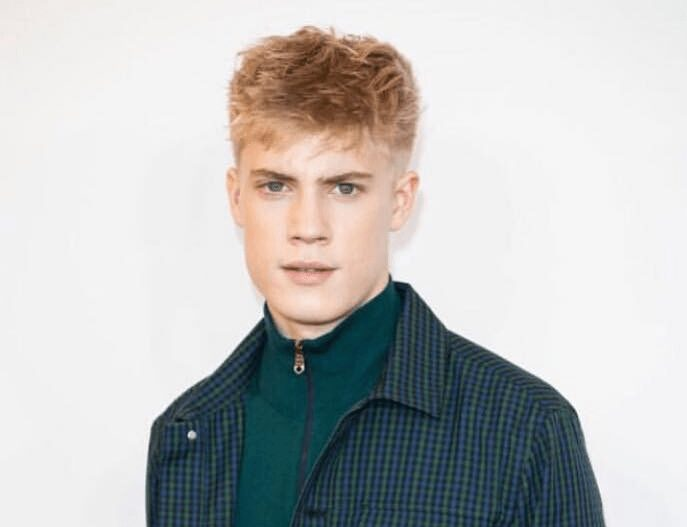 Tom Taylor Biography: Age, Height, Net Worth, Instagram, Twitter, Wikipedia, Movies & TV Shows, Girlfriend