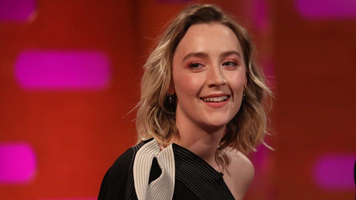 Saoirse Ronan Biography: Boyfriend, Movies & TV Shows, Age, Net Worth, Awards, Twitter, Pronunciation, Height, Instagram, Wiki