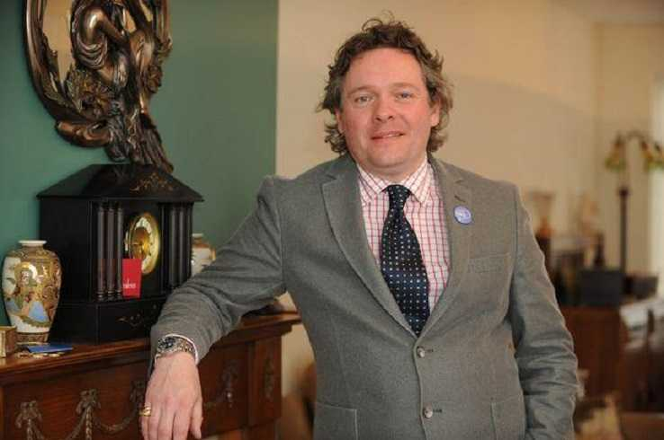 Tim Hogarth Biography: Age, Net Worth, Wife, Wikipedia, Antiques, Pictures, Children